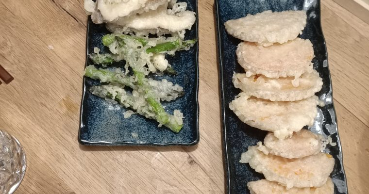 Recept om zelf gyoza (dumplings), garnaal tempura en groente tempura te maken voor een echte Japanse Izakaya night. Tempura bowl recept